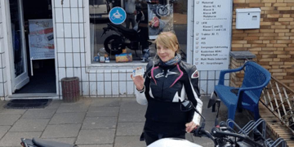 Joanne ist jetzt eine Motorradbraut 😌