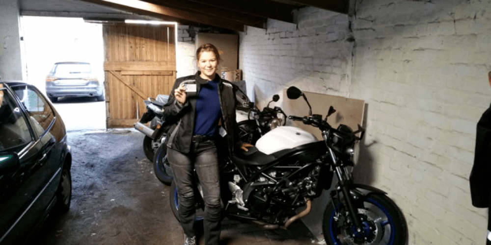 Hannah darf nun  große Motorräder fahren
