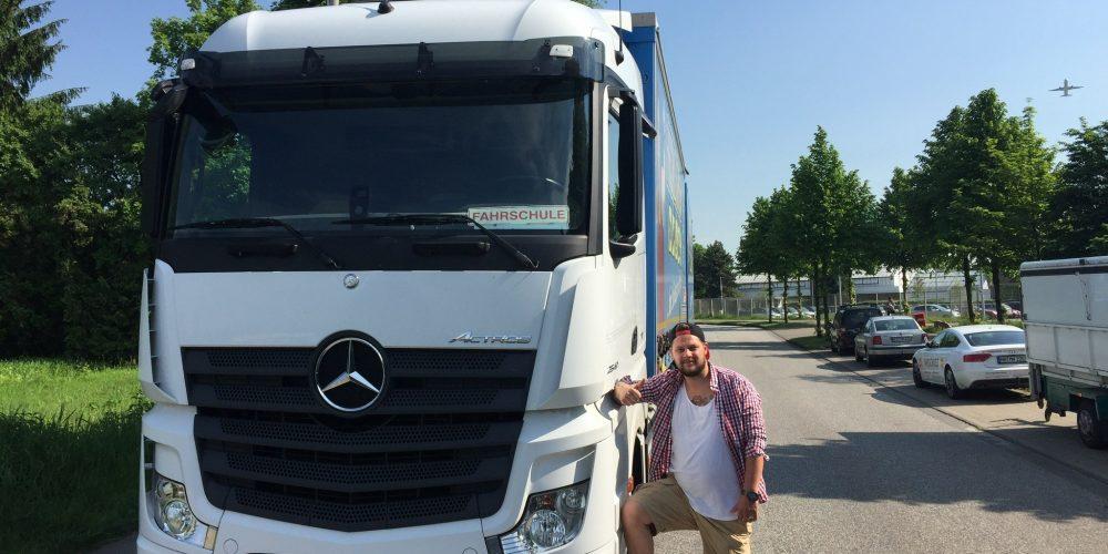 Jan-Hendrik darf jetzt große Brummer fahren 🚚