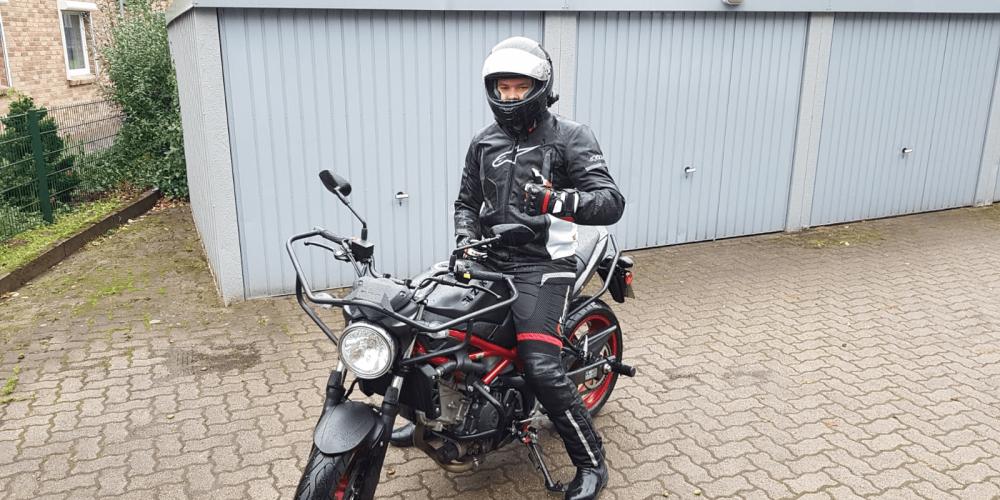 Timo saust seit Dienstag mit dem Motorrad durch die Gegend