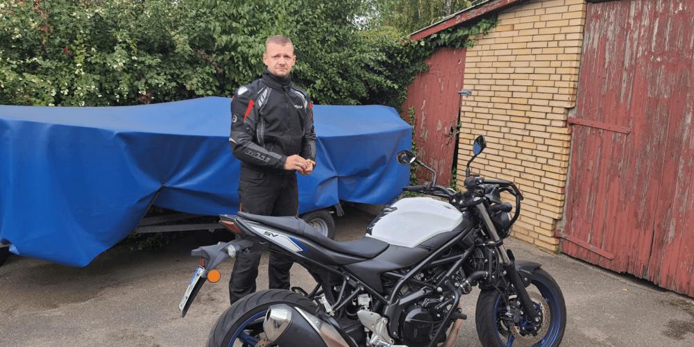 Benny hat Heute seinen Motorradführerschein bekommen 🏍